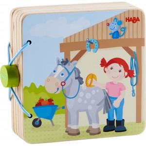 Livre en bois - Le centre Equestre