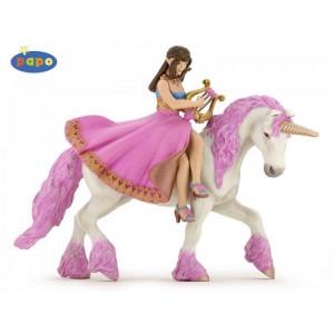 Princesse a la lyre sur son cheval
